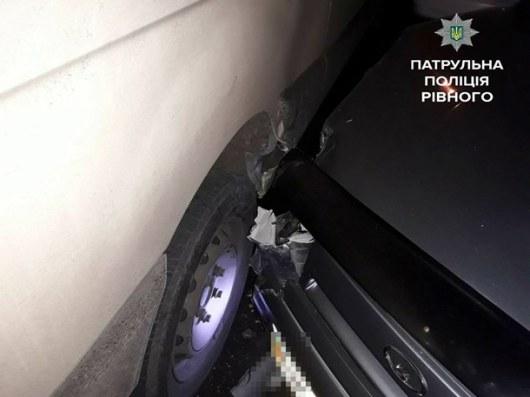 ВРовно патрульные спасли отсамосуда пьяную женщину-водителя